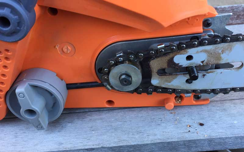 Redback-chainsaw-chain-assembly