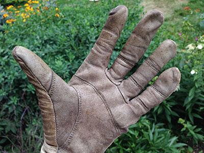 Lots of seams on StoneBreaker Gloves