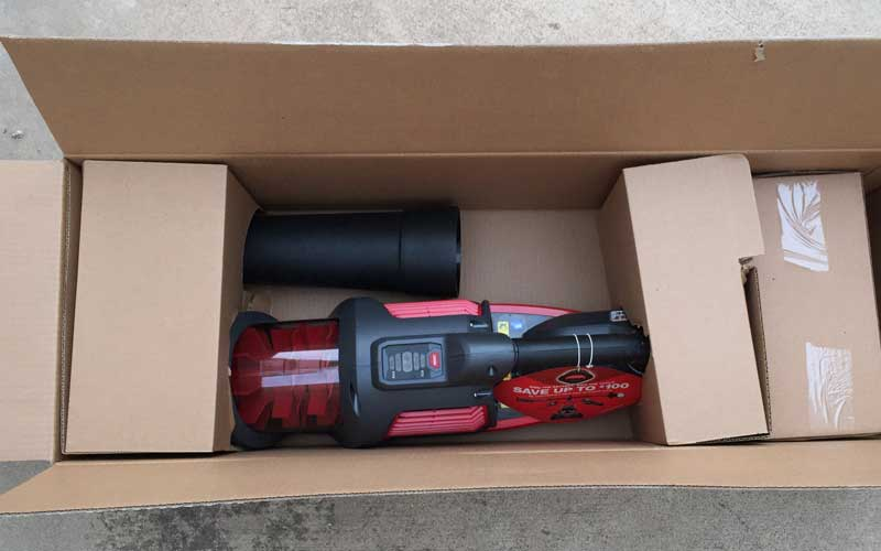 troy-bilt-blower-packaging