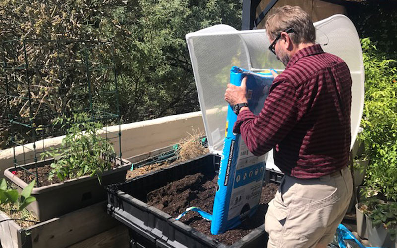 Vegepod adding soil