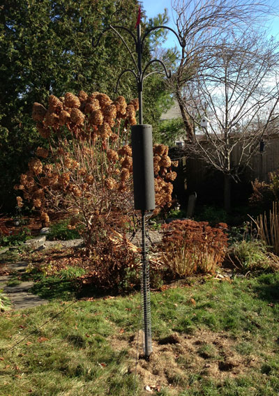 APS bird feeder pole system
