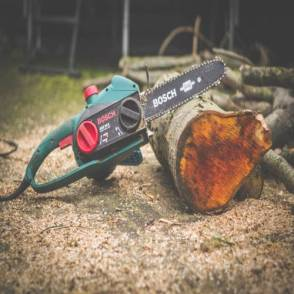 chainsaw safety feature