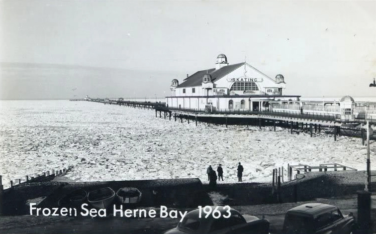 A picture of the frozen Herne Bay sea in 1963