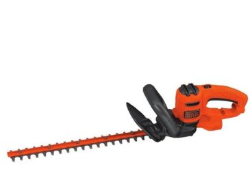 BLACK+DECKER Hedge Trimmer that is 22-Inch HT22