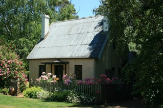 Coachman's Cottage in summer