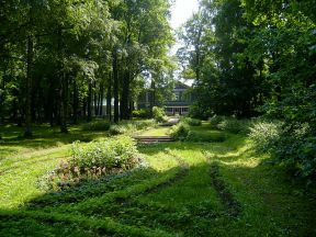 Tchaikovsky's Garden at Klin. Photo SiefkinDR