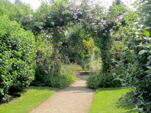 UK Oxford Rousham garden