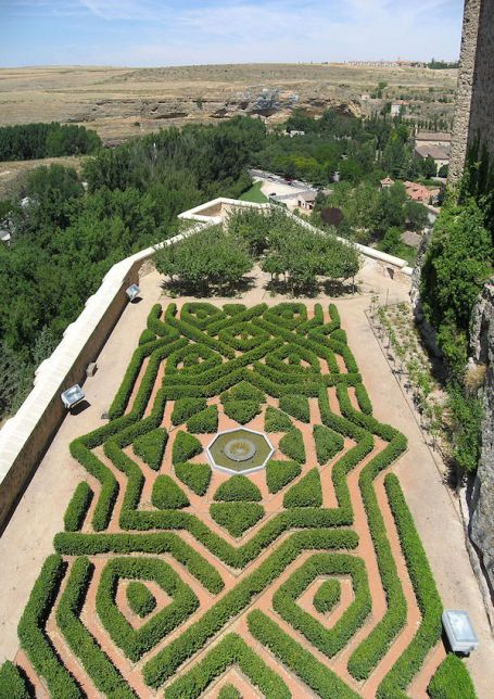 Gardens of the Alcázar of Segovia, Spain. Photo Gryffindor