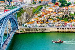 Dom Luis bridge over the Duoro River, Porto