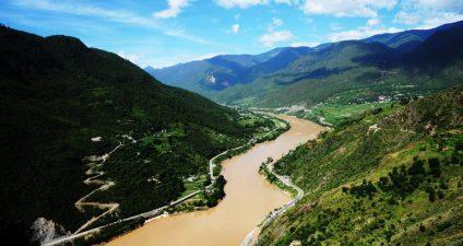Yangtze River, near Tiger Leaping Gorge