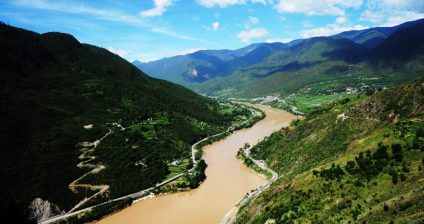 Yangtze River, near Tiger Leaping Gorge