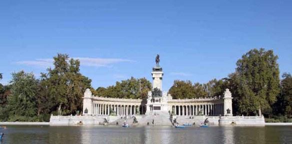 Madris's Retiro Park Alfonso monument