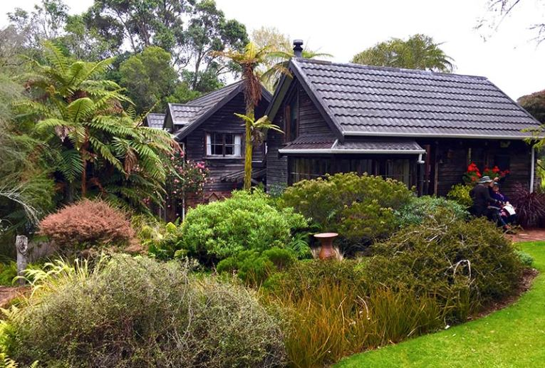 Te Kainga Marire – as seen on Monty Dons series, 'Around the World in 80 Gardens' © Sandy Pratten