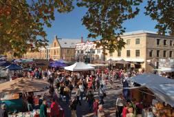 Salamanca Market © Tourism Tasmania & Hobart City Council