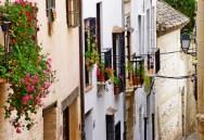 Streetscape, Granada. Image Zalika Rizmal