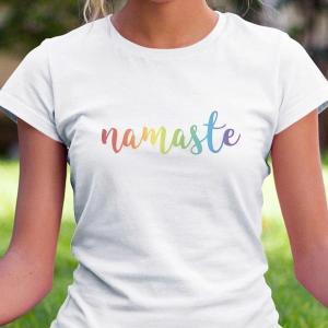 Namaste, pozdrav na majici