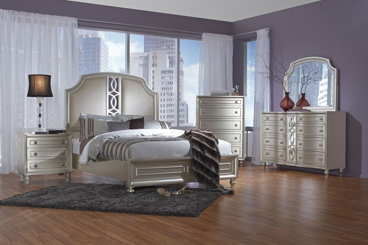 "Colleen 5-Piece Queen Bedroom Set With 32"" LED-TV At"