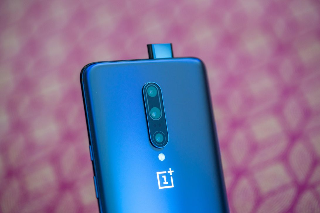 4 Reasons To Buy OnePlus 7 Pro | GarimaShares