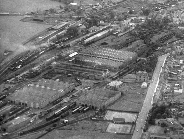 1 1C b2 Loco Works Aerial view enlarged 1962.jpg
