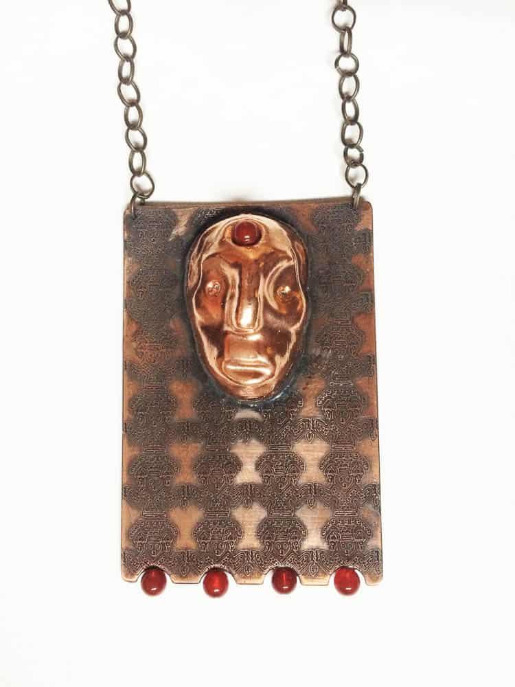 Maral Mamaghanizadeh, Freshness Primitive,2016,Brass, beads, 10 x 6cm,photo: Maral Mamaghanizadeh