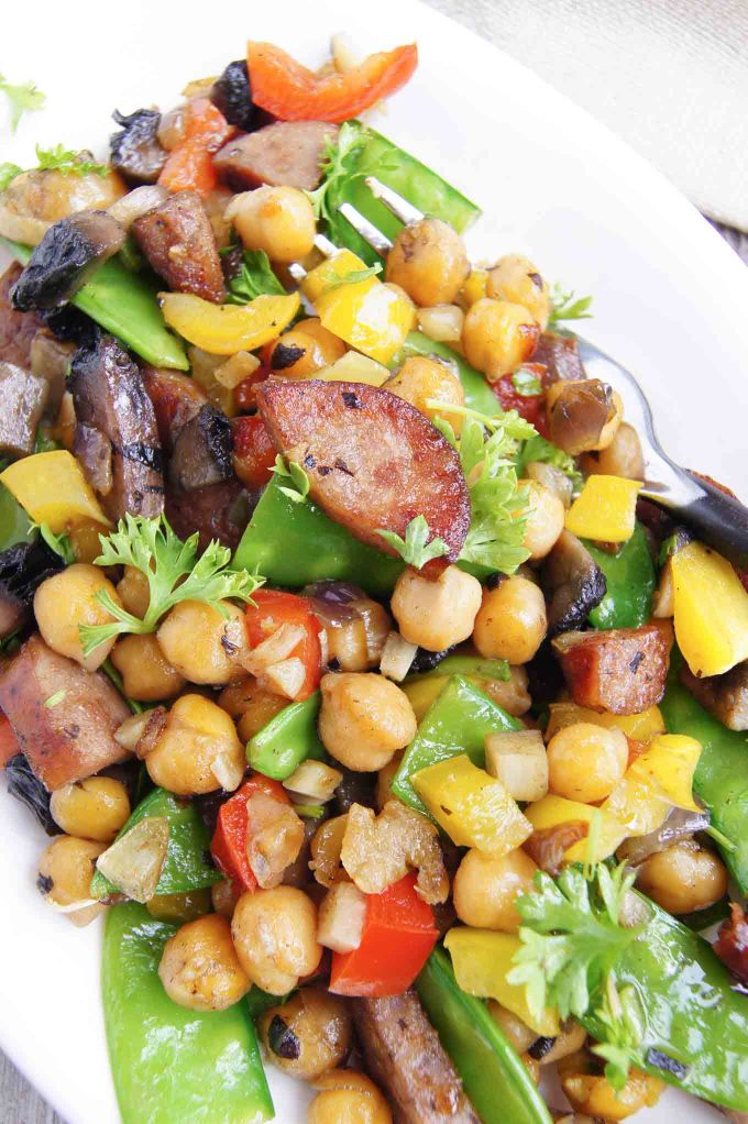 Full of bold flavours Smoked Sausage and Chickpeas Crispy Medley is a comfort meal for 2. Try it once and I guarantee you'll make it again and again!