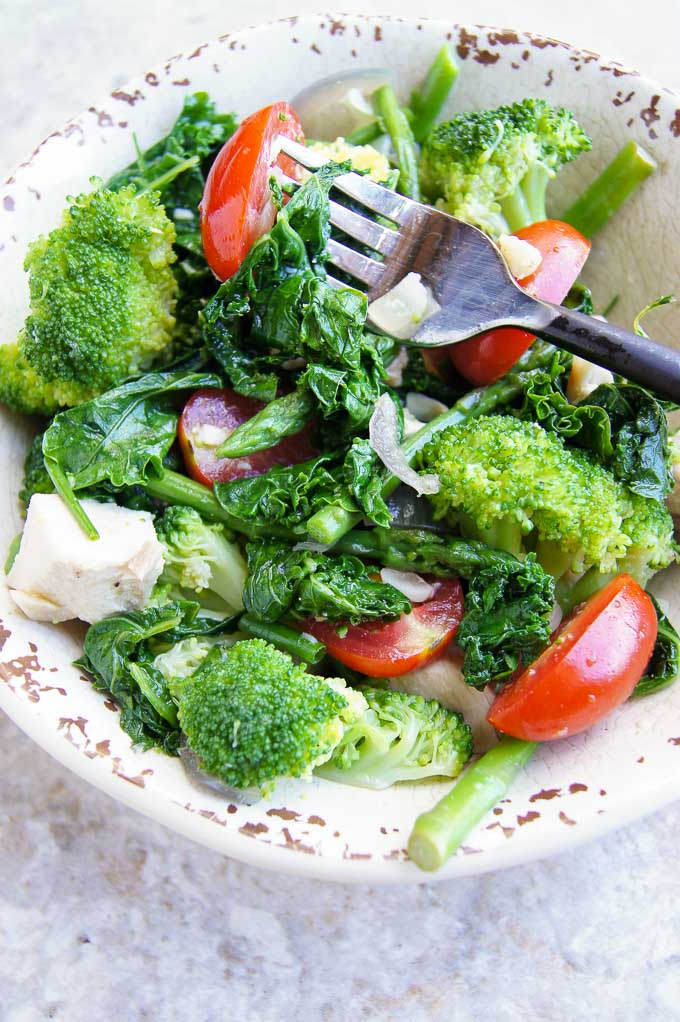 Easy Broccoli, Kale and Asparagus Chicken Salad is a real celebration of full of antioxidants & nutrient-rich greens. 20 min - It's a keeper!