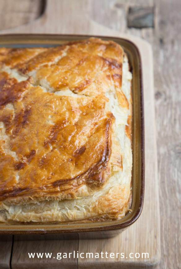 Parsnip, Leek and Mushroom Pie is a light and deliciously creamy, vegetarian crowd pleaser. Easy recipe, perfect for lunch or dinner.