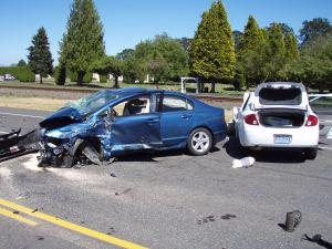 blue-car-in-wreck-2