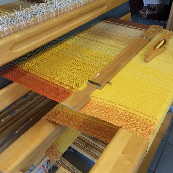 Happ-Inez. Det kalder jeg trenden i de smukke orange, gyldne og brune nuancer :-)