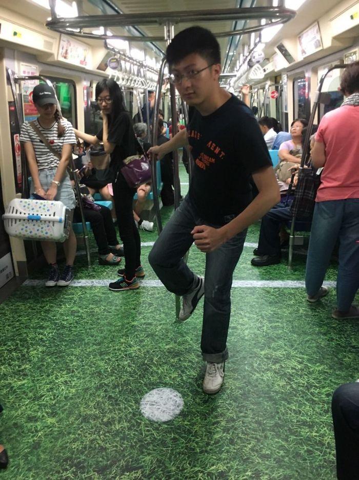 Metrô de Taiwan transformado em locais esportivos para promover evento 2017 Summer Universiade