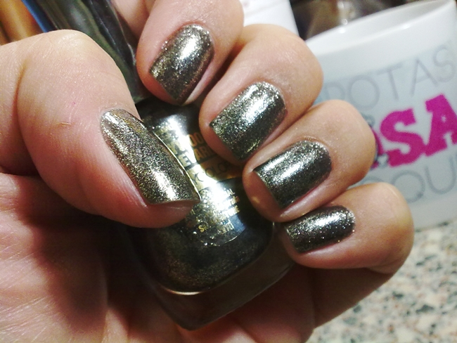 silver-stone-beauty-color