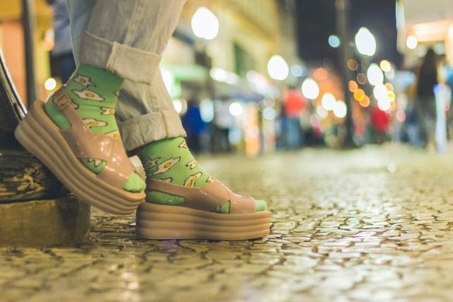 Sandália com meia