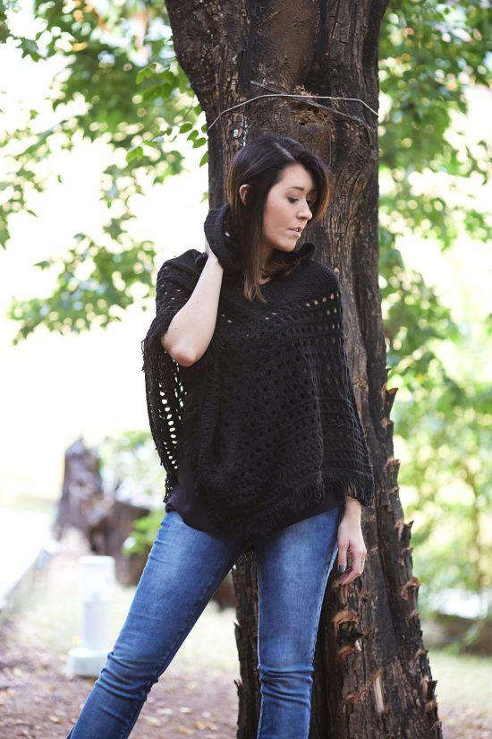 poncho-calça-jeans-look- blogueira-famosa-mineira