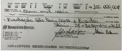 Um dos cheques emitidos pela Fundação São Luís para a própria Fundação