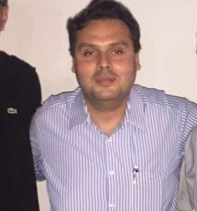O advogado Jorge Arturo: escritório limpo e desativado