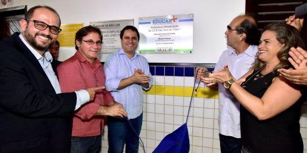 Edivaldo entrega mais duas escolas totalmente reformadas