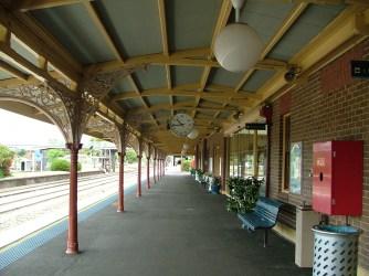 Cootamundra Railway Station 23Nov2010 (2)
