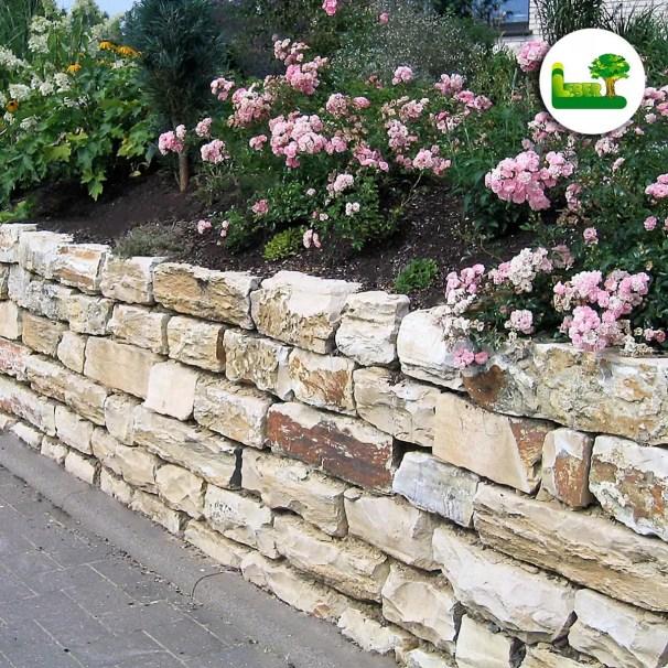 Jura Rembradt - Trockensteinmauer mit Garten Leber aus Steiermark.