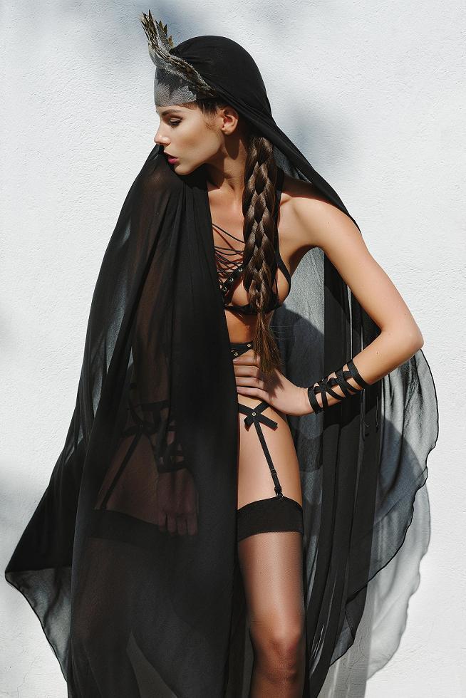 Ludique Lustful Black