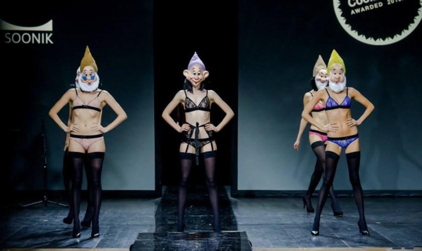 Интервью с Kriss Soonik: Стирая границы между нижним бельём и одеждой. Фото с показа. Garterblog.ru