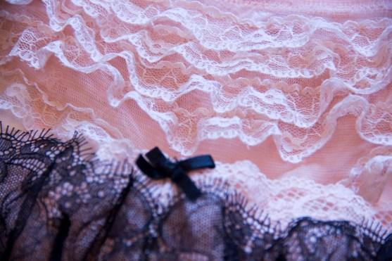 Рубрика «Будуарный гардероб» в журнале GB {Garterblog.ru}. Героиня – психолог Надежда Сологубова. Бюстгальтер Incanto и трусики Playful Promises