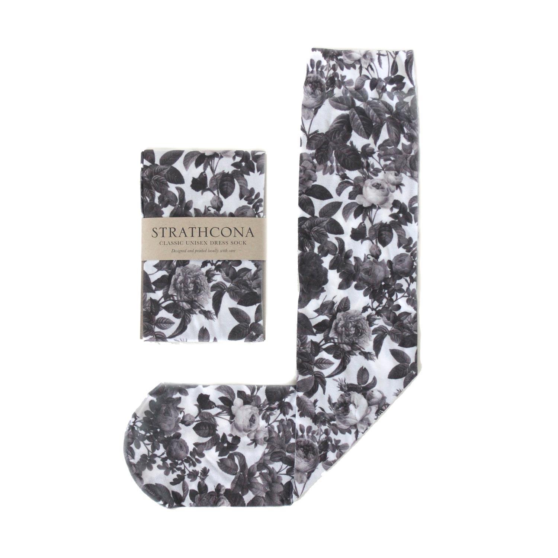 Носки с черно-белым принтом. Strathcona Black and White Rose Unisex Dress Socks $36.00