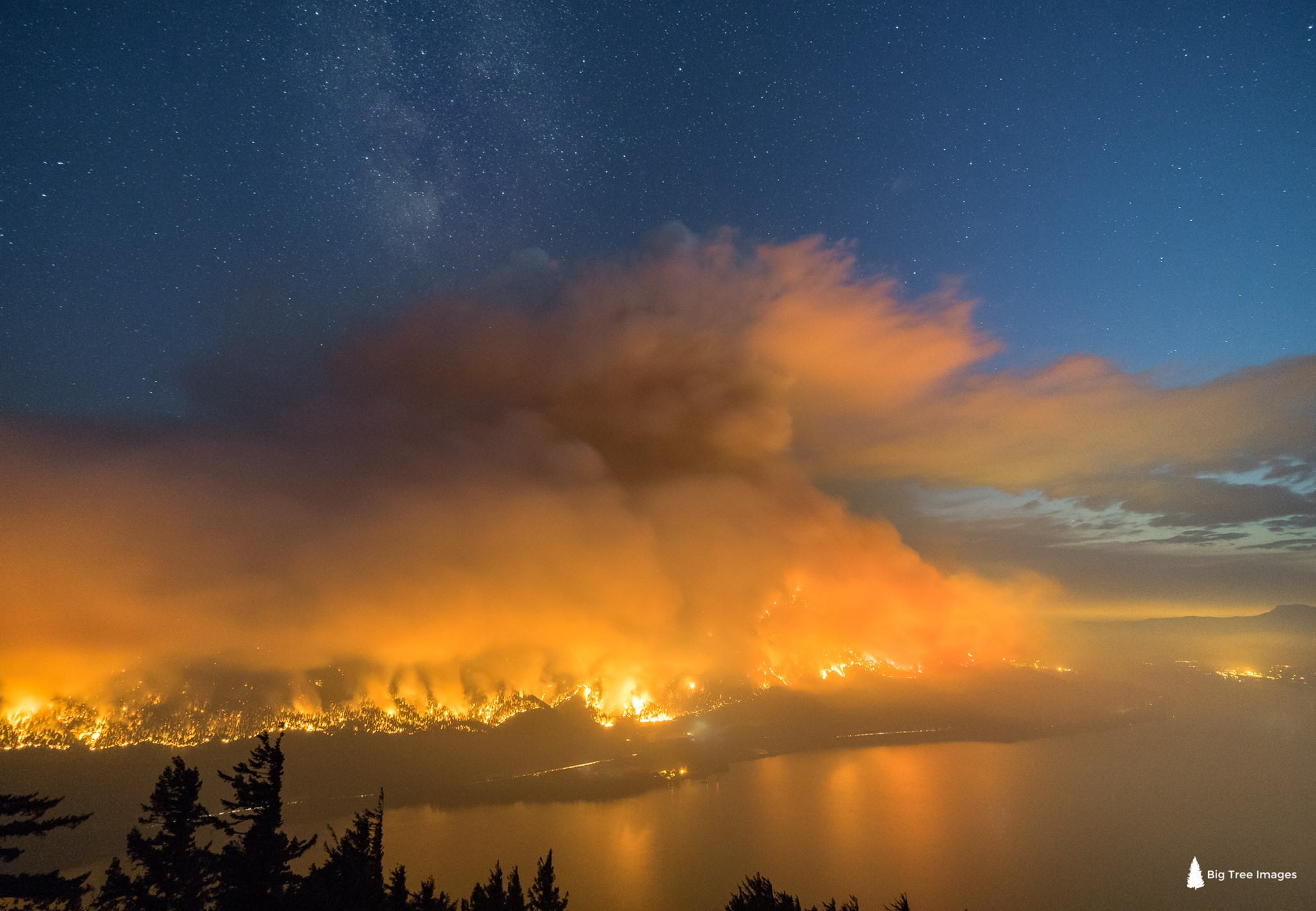 Eagle Creek Fire, Columbia River Gorge, Oregon - Charlie Riter Photo