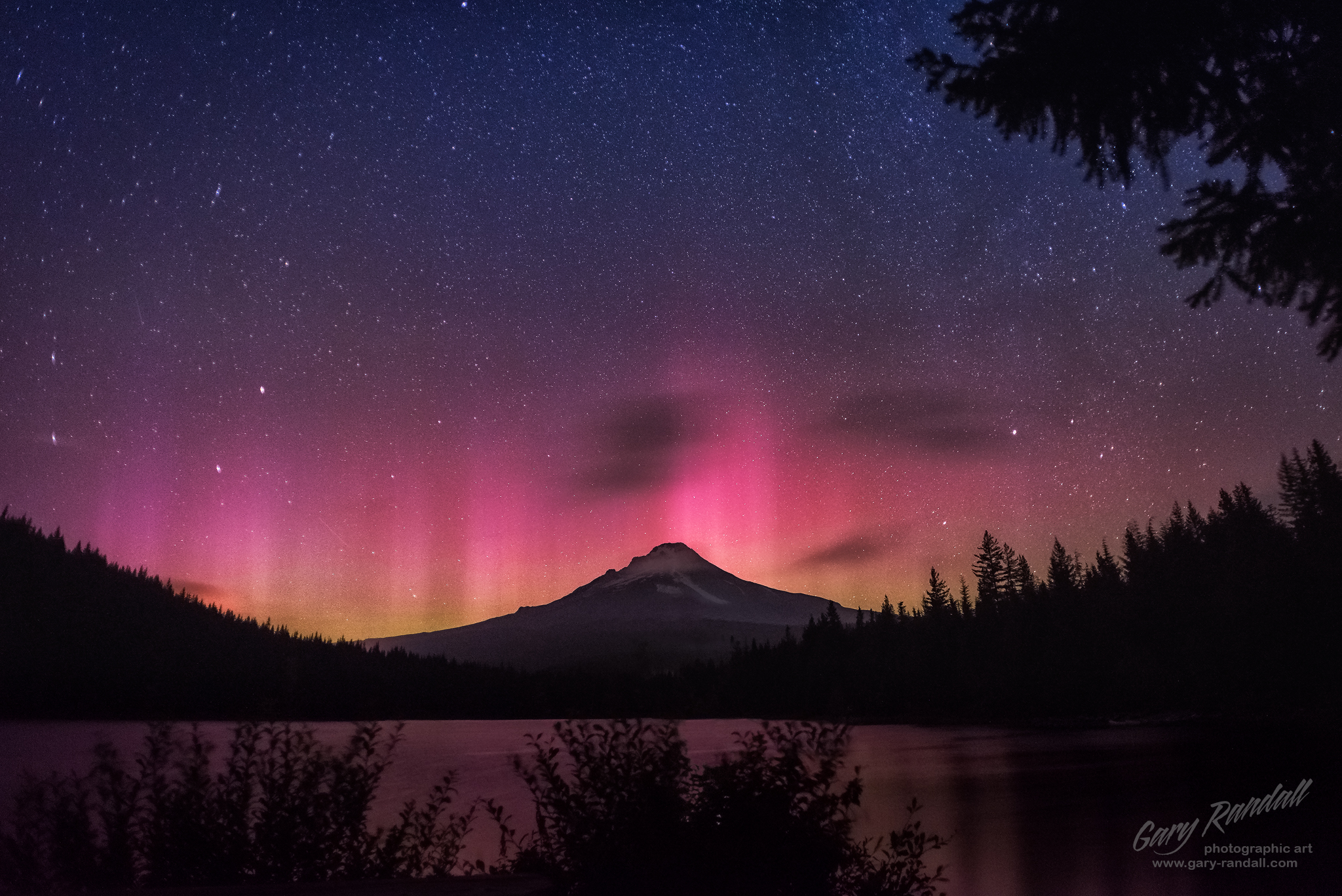 Aurora borealis over Mount Hood