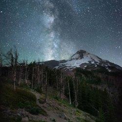 The Milky way over Mount Hood
