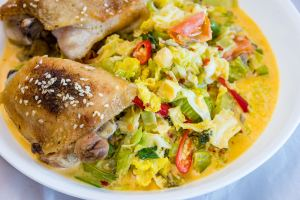 Chicken thighs and creamy spicy stir-fried cabbage salad cooked in the Tupperware® UltraPro in the microwave and conventional ovens Gary Lum