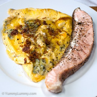 Tuesday2014-02-04 18.02.14AEDT Salmon and scrambled eggs with blue cheese for dinner