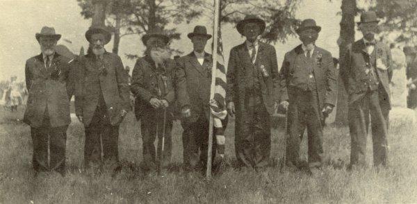 group of Blooming Prairie Civil War veterans gather on MemorialDay