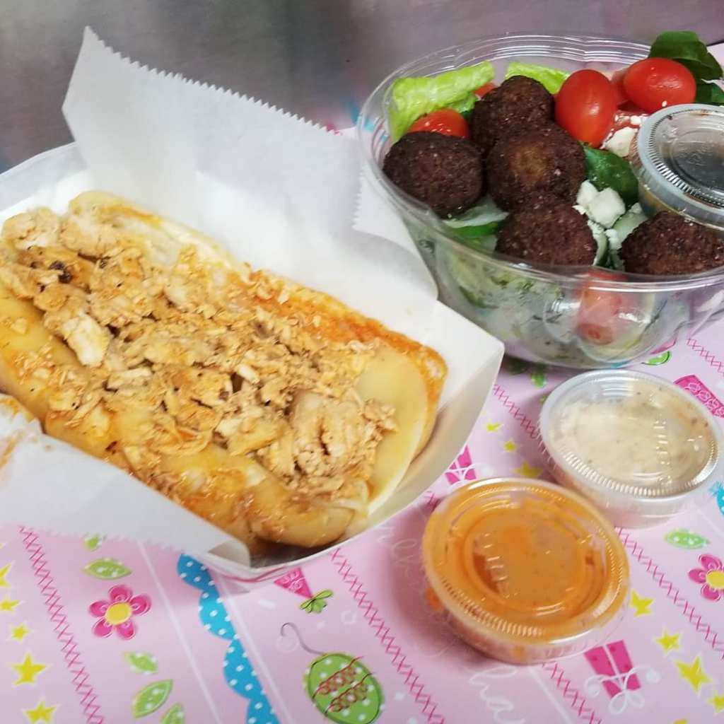 Garyssteaks Food Truck Catering in Hudson & King falafeel sauce salad chickenseak