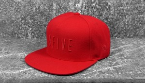 9five_snapback_red_sig